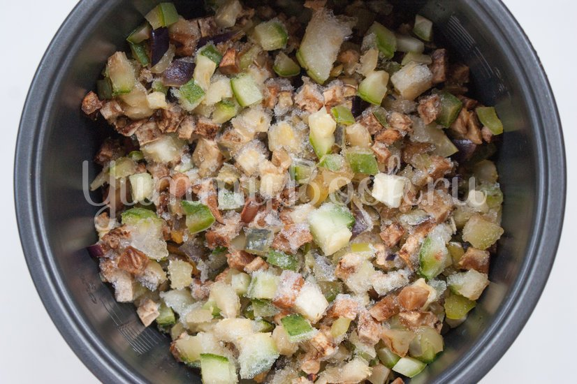 Рис с кабачками и баклажанами в мультиварке - шаг 2
