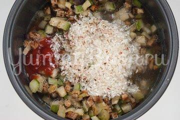 Рис с кабачками и баклажанами в мультиварке - шаг 3