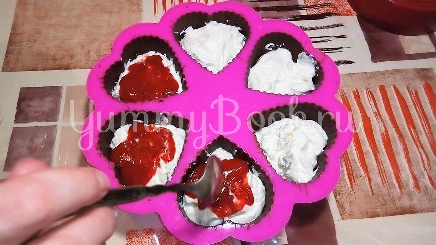 Творожной десерт с клубникой на 14 февраля - шаг 2