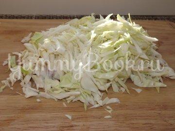 Салат из свежей капусты с имбирем и яблоком - шаг 2