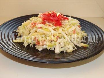 Салат из свежей капусты с имбирем и яблоком - шаг 5