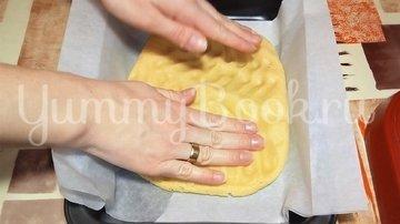 Кудрявый пирог с вареньем из песочного теста - шаг 5