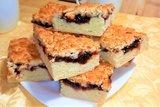 Кудрявый пирог с вареньем из песочного теста