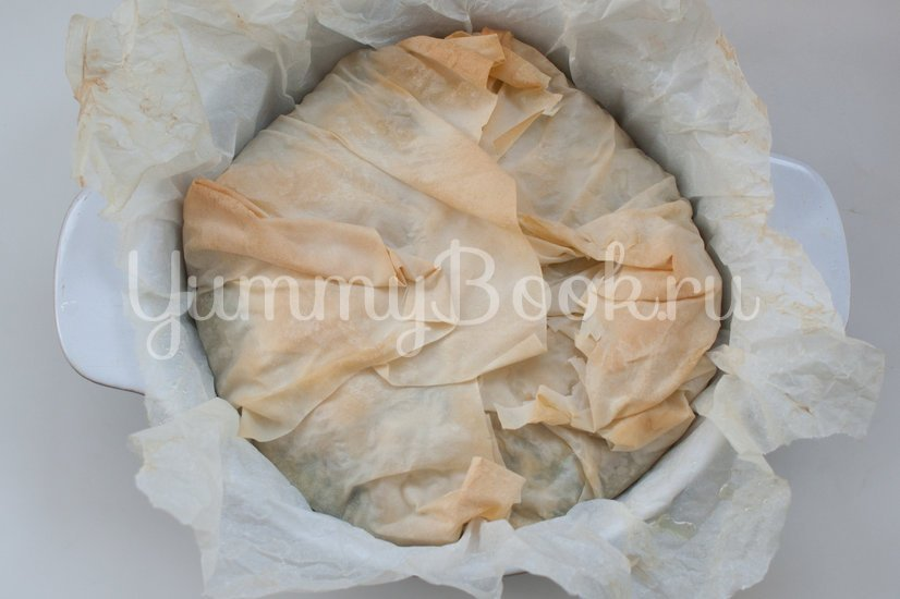 Пирог из теста фило со шпинатом, чеддером и фетой - шаг 10