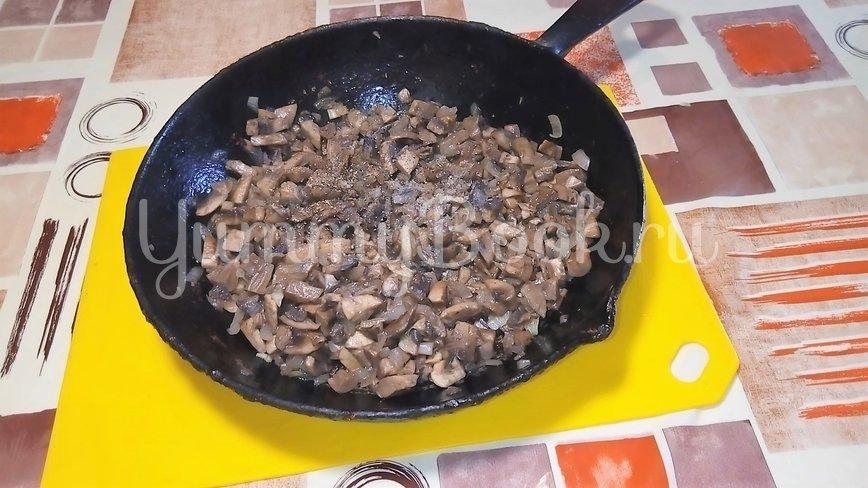 Картофельная пицца с грибами  на сковороде - шаг 1