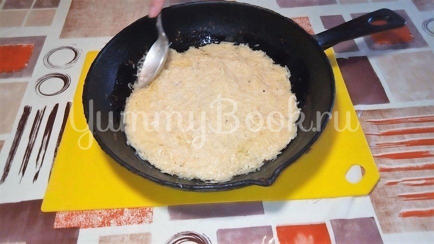 Картофельная пицца с грибами  на сковороде - шаг 3