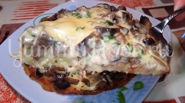 Картофельная пицца с грибами  на сковороде - шаг 5