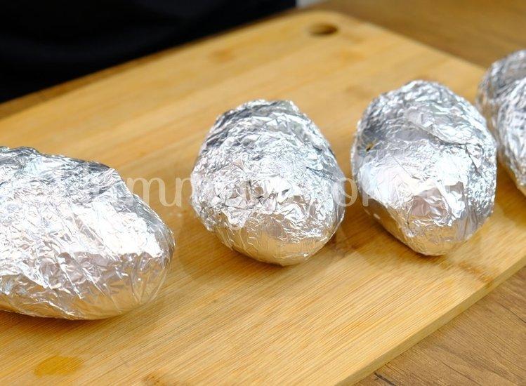 Фаршированный картофель, запеченный в духовке - шаг 1