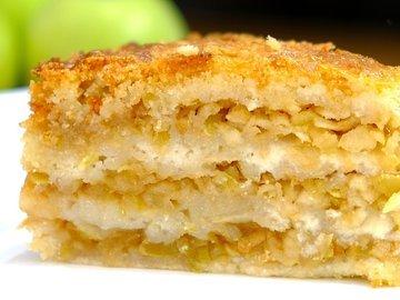 Яблочный насыпной пирог «Три стакана»