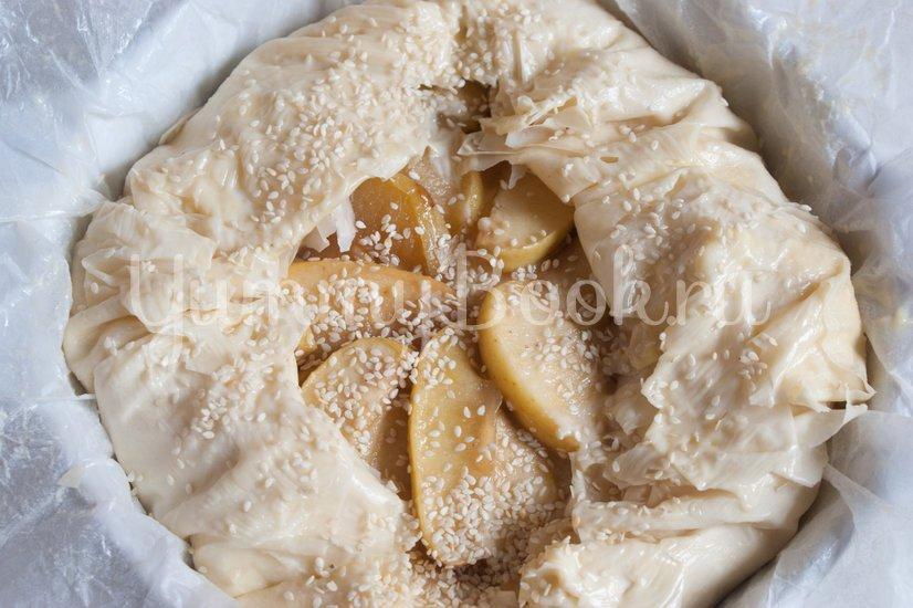 Пирог с заварным кремом и яблоками - шаг 12