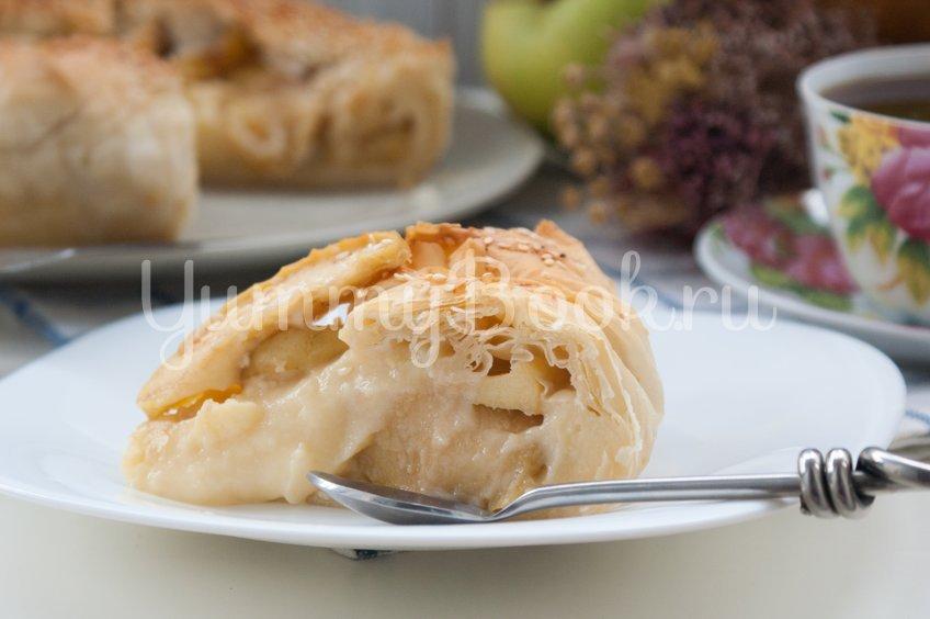 Пирог с заварным кремом и яблоками