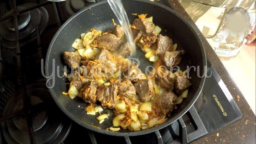Нудли с говядиной и картошкой - шаг 7