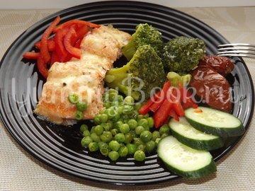 Форель запеченная с брокколи и зеленым горошком - шаг 9