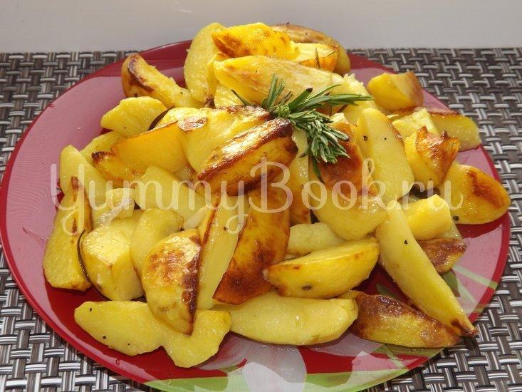 Картофель с розмарином и чесноком запеченный в рукаве - шаг 7