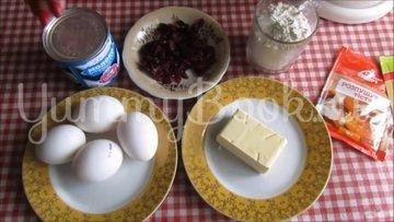 Нежный кекс с вишнёвыми цукатам на сгущённом молоке - шаг 1
