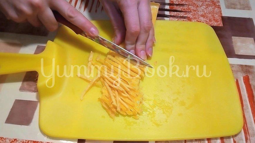 Салат с мясом и яичными блинчиками - шаг 2