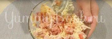 Горячие бутерброды с сыром и колбасой в духовке - шаг 4
