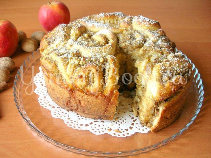 Пирог из «розочек» с начинкой - шаг 6
