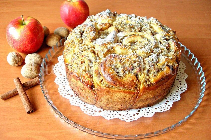 Пирог из «розочек» с начинкой