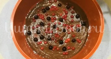 Двухслойный пирог с яблоками и ягодами - шаг 8