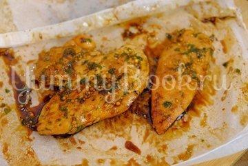 Куриное филе в пергаменте на сковороде - шаг 6