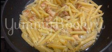 Томленое мясо с макаронами на сковороде - шаг 7