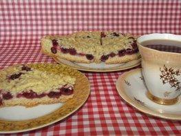 Постный тертый пирог с вишнями