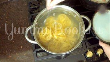 Паста в сливочном соусе с креветками - шаг 6