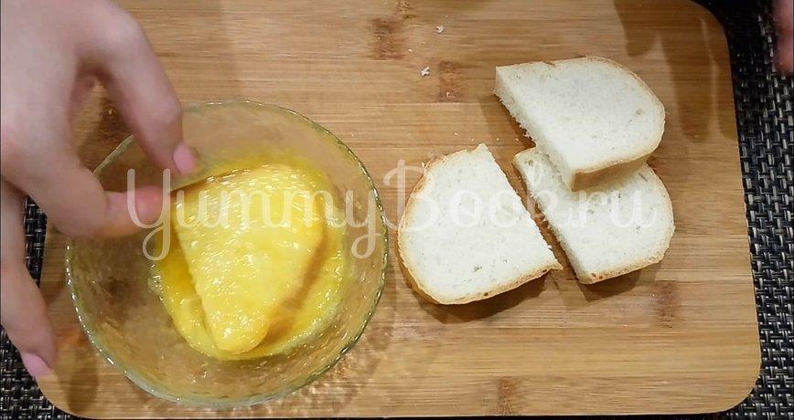 Сладкие гренки из батона с яйцом - шаг 2