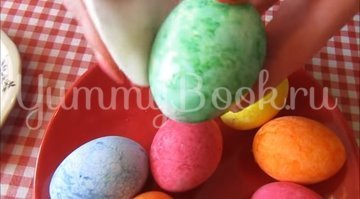 Мраморные яйца-крашенки в рисовой сечке - шаг 9