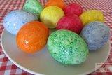 Мраморные яйца-крашенки в рисовой сечке