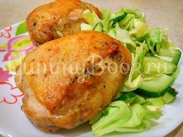 Жареные окорочка на сковороде с чесноком  - шаг 5