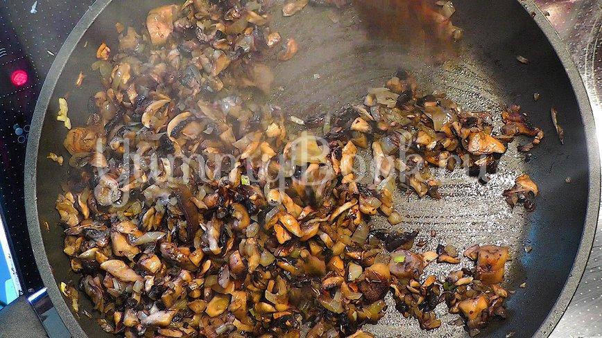 Картофельные зразы с мясом и грибами - шаг 3
