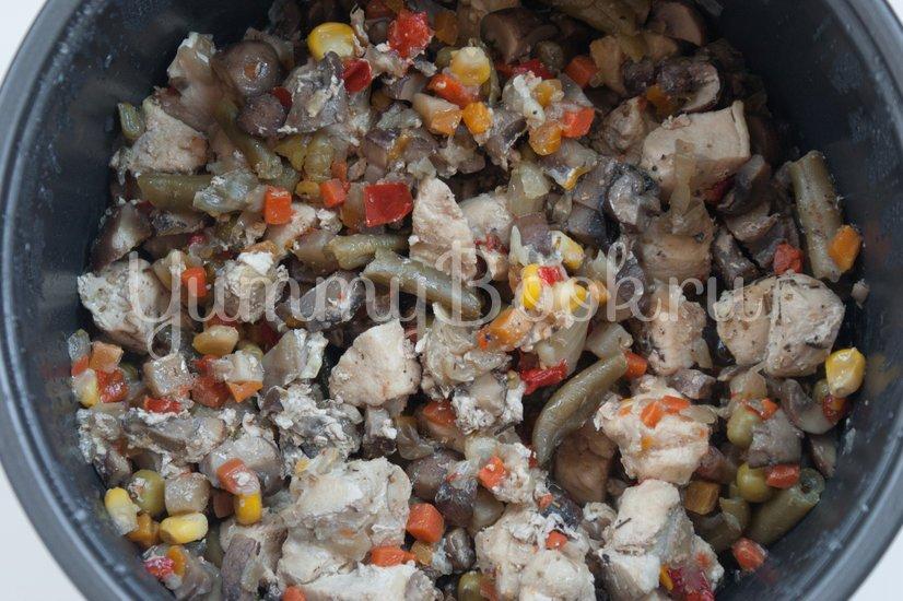 Куриное филе с овощами в мультиварке - шаг 4
