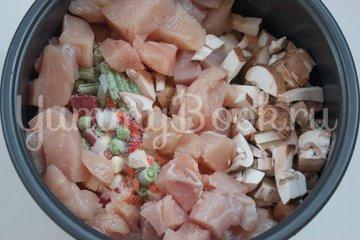 Куриное филе с овощами в мультиварке - шаг 3