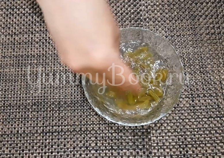 Творожная запеканка в духовке с манкой - шаг 1