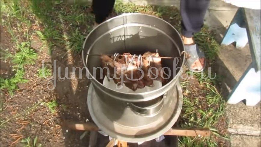Свиные рёбрышки копчёные на мангале - шаг 4