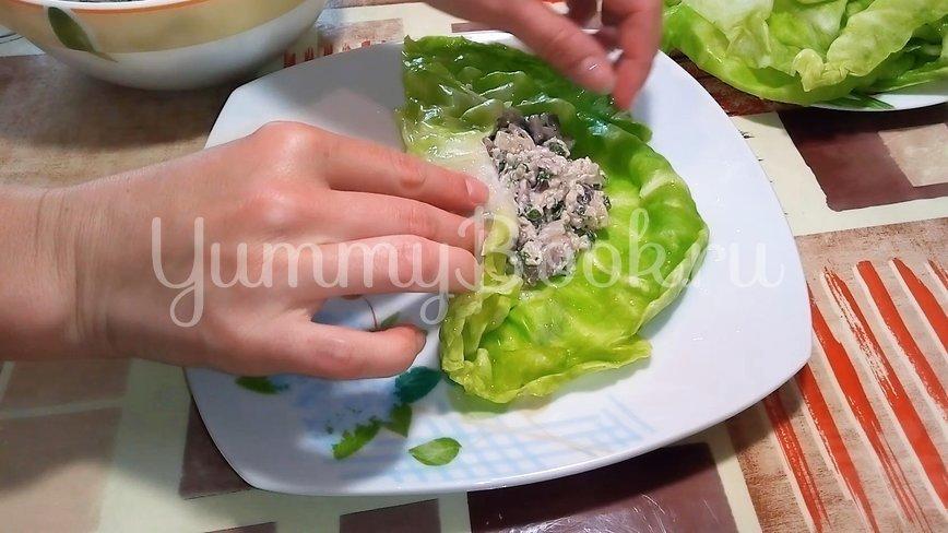 Конвертики из капусты с грибами - шаг 5