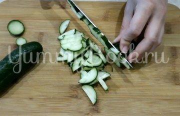 Салат с печенью трески - шаг 2