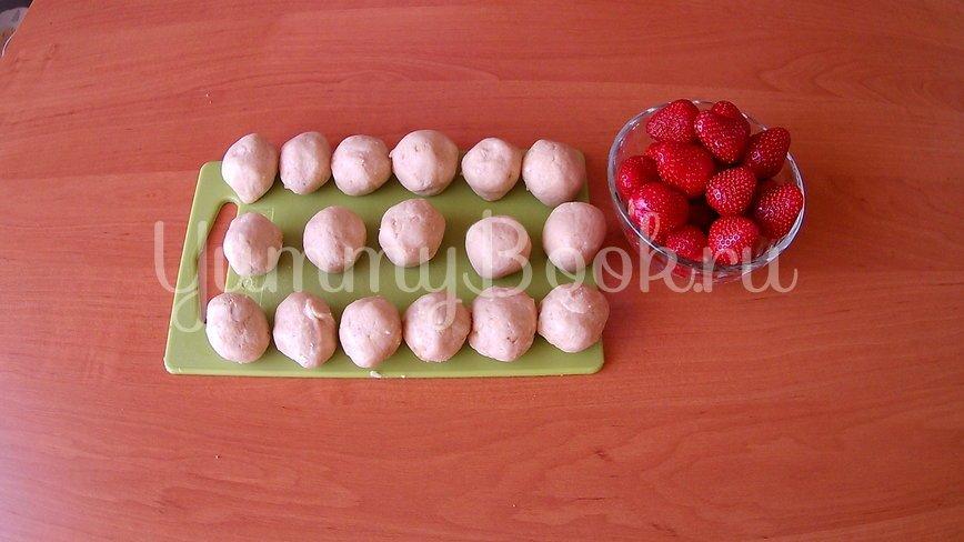 Печенье без выпечки со свежей клубникой - шаг 3