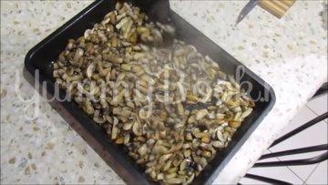Картофельная запеканка с сосисками и грибами - шаг 3