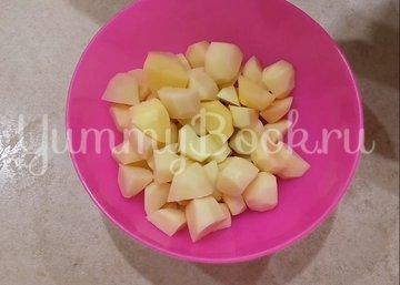 Сочная курица с картошкой в духовке - шаг 1