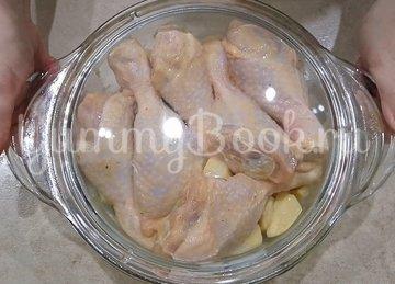 Сочная курица с картошкой в духовке - шаг 4
