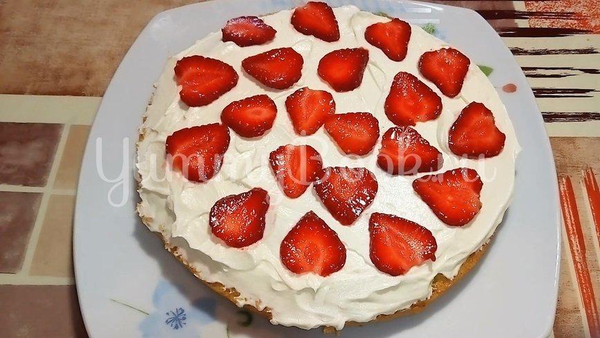 Торт клубничный с творожно - масляным кремом - шаг 7