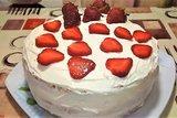 Торт клубничный с творожно - масляным кремом