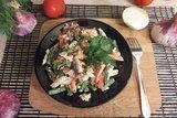 Салат со стручковой фасолью и копчёной грудкой