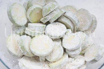 Кабачки с сыром запечённые в духовке - шаг 3