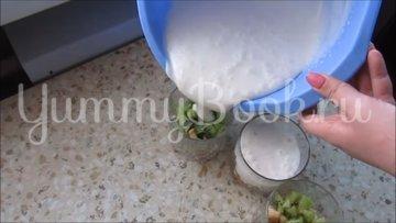 Сметанный десерт с фруктами  - шаг 5