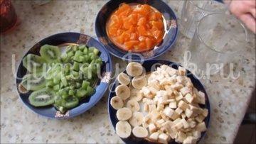 Сметанный десерт с фруктами  - шаг 3