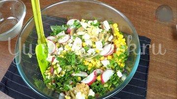 Летний сытный салат с редиской без майонеза - шаг 7